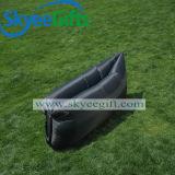 Auf lager im Freien Innen- oder kundenspezifische Firmenzeichen-Luft-aufblasbares Kneipe-Sofa