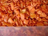 La carota disidratata secca organica si sfalda (iso; HACCP)