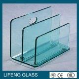 بنية صلبة ومنحنى شكل يقسم زجاج