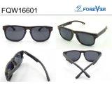 Os óculos de sol de madeira da alta qualidade Fqw16601 polarizaram a lente baixo MOQ