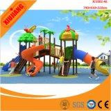 de kleurrijke OpenluchtDia van het Stuk speelgoed van Jonge geitjes en de Fabriek van de Speelplaats van de Schommeling