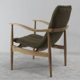 Fabric Sofa Chair를 가진 나무로 되는 Furniture High Quality Solid Wood