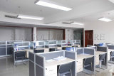 Neuer moderner hölzerner Arbeitsplatz-Tisch verwendete Glasbüro-Partition (SZ-WST603)