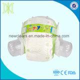 Pañales disponibles del bebé de los pañales del pañal asoleado del bebé