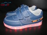 Les sports courants colorés/couleur changeable occasionnelle s'allument badine vers le haut des chaussures de DEL