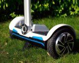 Scooter électrique intelligent de bâton de deux roues avec le contrôleur éloigné
