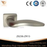 ドアのハードウェア亜鉛合金の家具のドアロックのレバーハンドル(粋なブランドZ6236-ZR13)