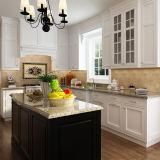 Più nuovo armadio da cucina bianco su ordine di legno solido della vernice