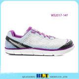 Athletische laufende Art-Schuhe des Blt Mädchens
