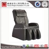 صاحب مصنع عملة يشغل تدليك كرسي تثبيت