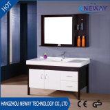 Hölzerne Badezimmer-Großhandelseitelkeit modern mit seitlichem Schrank