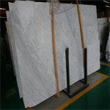 すばらしいイタリアの白い大理石の平板Biancoカラーラ