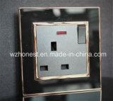 Interruptor BRITÁNICO y socket eléctricos 220V del surtidor 13A modernos
