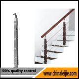 Projeto interno do corrimão das escadas do aço inoxidável