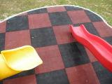 Verwendete bunte Spielplatz-Gummi-Fliesen