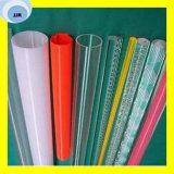 Boyau transparent coloré de l'eau de PVC dans diverses tailles
