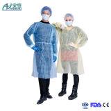 Vestido quirúrgico desechable, vestido del polipropileno del paciente, vestido del aislamiento del examen