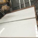Brames blanches pures de partie supérieure du comptoir de pierre de quartz