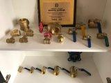 Alta calidad de cobre amarillo de las muestras libres de la venta al por mayor de la vávula de bola de la cuerda de rosca de la maneta del precio de fábrica