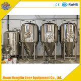 Equipo comercial 2000L de la cervecería de la cerveza con la fermentadora completa de la cerveza