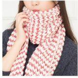 OEMの品質のジャカードアクリルの女性のスカーフの工場卸売熱い販売のカスタマイズされたデザイン最上質のアクリルのジャカードフットボールによって編まれるスカーフ