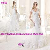 Erstaunliche Spitze-durchdachte Nixe-Kleid-Hochzeit mit Schutzkappen-Hülse