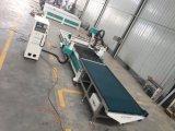 Automatisches Laden und Aus dem Programm nehmen der hölzernen CNC-Fräser-Maschine