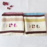 Essuie-main de face bon marché en gros de coton des prix d'usine