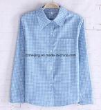 青い格子縞の女性の`Sの綿ワイシャツ