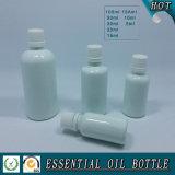 Weiße farbige Glas-wesentliches Öl-Flasche mit weißer Schutzkappe