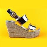 Argento dei sandali della scarpa di tela del cuneo dell'alto tallone delle donne moderne delle scarpe di tela