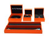 Nette handgemachte feste Geschenk-Papppapier-Schmucksachen gesetzter verpackenkasten