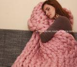 고품질 모직 털실 손에 의하여 뜨개질을 하는 아크릴 크로셰 뜨개질 담요
