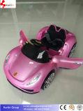 Fernsteuerungsauto mit grellem hellem Kind-Baby-Auto
