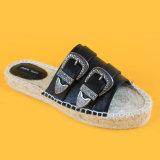 Punta di pigolio delle scarpe di tela di Espadrillesetc tutte le trasparenze nere delle scarpe di tela