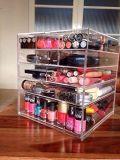 Organizador cosmético de acrílico claro del cubo del almacenaje del maquillaje de 5 gradas con 4 cajones, el compartimiento superior y el divisor movible
