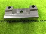 ステンレス鋼CNCの旋盤の部品を機械で造る回転部品/織物の機械装置の予備品