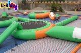 Sosta gonfiabile di galleggiamento dell'acqua per gli adulti