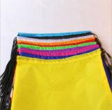 옥외를 위한 PP 끈을%s 가진 다채로운 210d 폴리에스테 졸라매는 끈 책가방