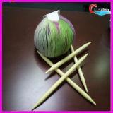 Strickende Bambusnadeln mit dem fantastischen Garn, das Austrial Wolle-Garn strickt
