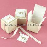 Mercis élégants donnant la boîte-cadeau de carton