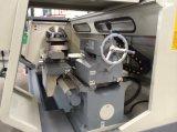Conduttura di CNC che filetta la macchina del tornio di CNC