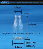 De Fles van het Glas van de drank voor het Drinken en Melk