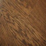 le chêne classique brun clair de 12mm Main-A gratté le plancher en stratifié de fini