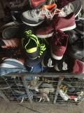 Zapatos de la segunda mano, zapatos usados en calidad superior del AAA del grado con los zapatos grandes de la segunda mano de los deportes del hombre de la talla de la marca de fábrica