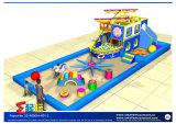 Priateの船が付いている幼児領域の運動場装置