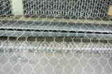 塗られるPVCが付いている六角形ワイヤー網
