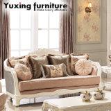 Assento de amor clássico da antiguidade do sofá da tela com frame de madeira para a sala de visitas