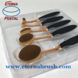 Лицевой состав чистит инструменты щеткой для красотки женщин