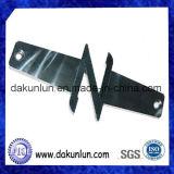 Alta precisión de metal pieza mecanizada, acero inoxidable soporte de la batería para el coche (DKL-M039)